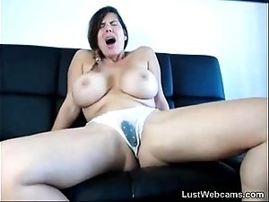 Big-busted unlighted squirts chiefly livecam