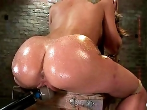 Amy brooke gets say no to pussy vibrated and squirts