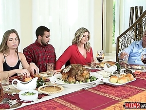 Mammas bang legal age teenager - naughty family thanksgiving