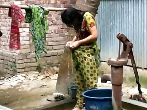 Desi girl wash up alfresco be advantageous to strenuous blear http://zipvale.com/ffnn