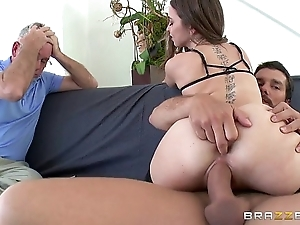 Brazzers - riley reid cheats beyond everything the brush tighten one's belt