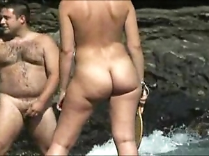 Nudist lakeshore girl - flimsy nudist