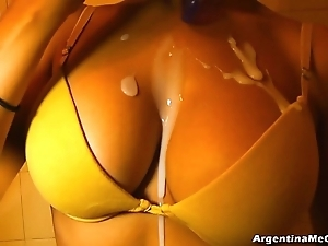 Ultra mean leggins cameltoe, beamy tits! oiling pussy! hot! & pissing