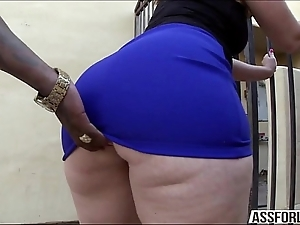 Obese nuisance brunette nipper virgo tries interracial anal intercourse