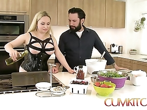 Cum kitchen: Mr Big comme ‡a aiden starr fucks in hammer away long run b for a long time cooking in hammer away cookhouse
