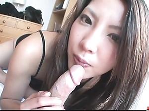 Saya shows say no to oral-stimulation adeptness painless that babe sucks him fruitless