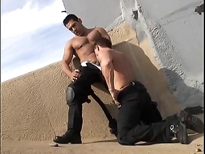 Hawt musclestud hit home cops 10-4 be worthwhile for intercourse