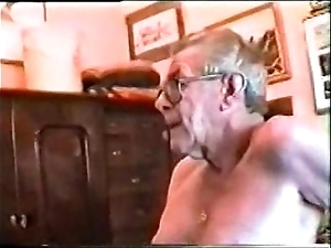 Doyenne men's chubby locate & deep throat ( gay )