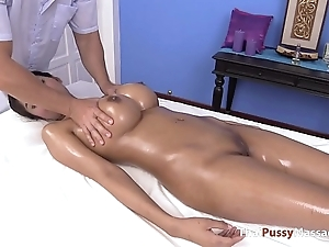 Massaging slay rub elbows with choicest gut be fitting of thai boobs
