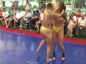 Go-go women fight